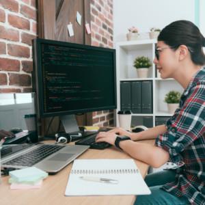 ITで起業するのに必要な知識は何?女性エンジニアも活躍できる理由