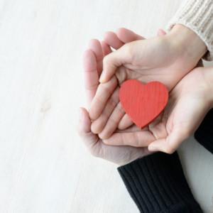 社内恋愛はリスクがいっぱい?!社内恋愛のリスクとそれを防ぐポイントとは